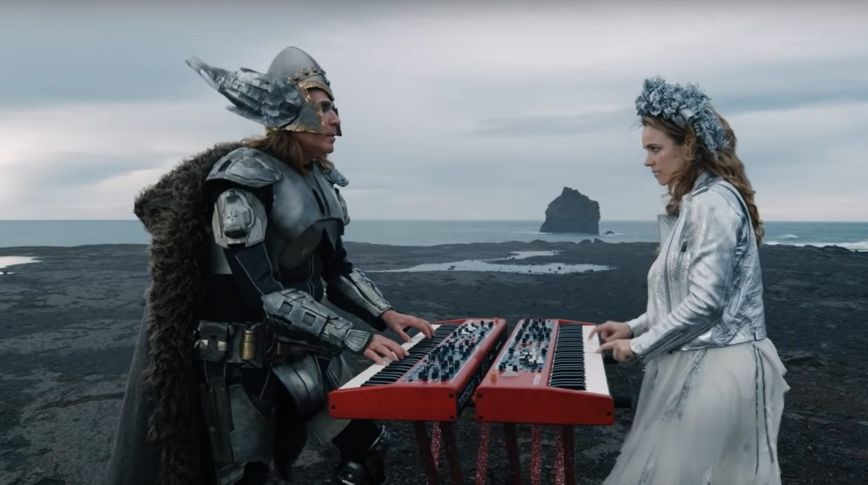 Will Ferrell und Rachel McAdams in The Story of Fire Saga