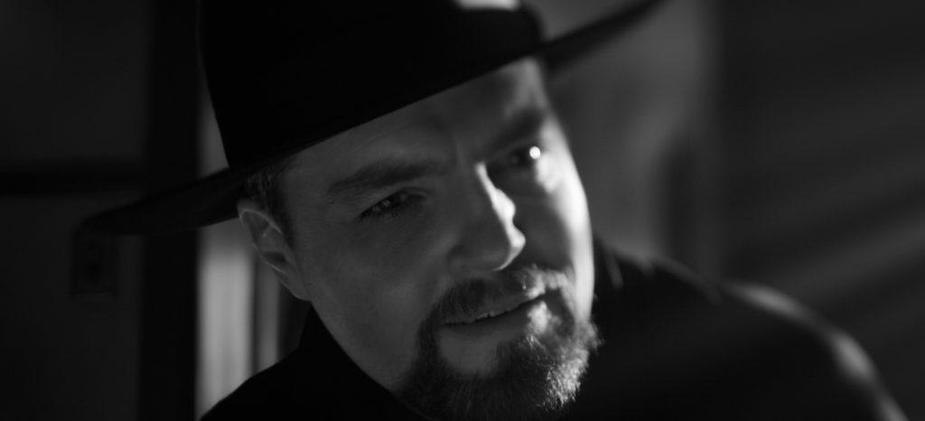 Tom Burke als Orson Welles aus Mank.