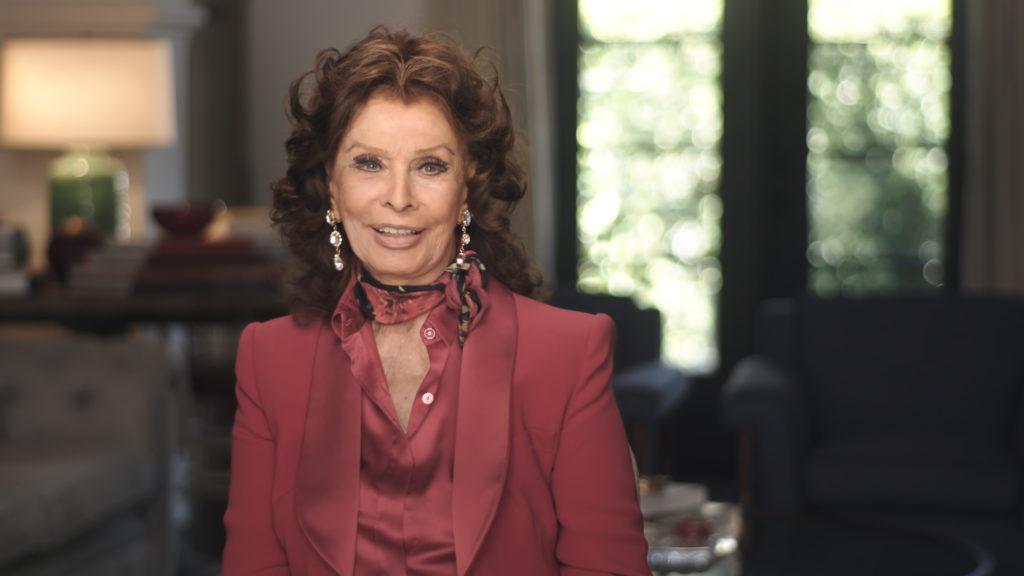 Sophia Loren bei einem Interview