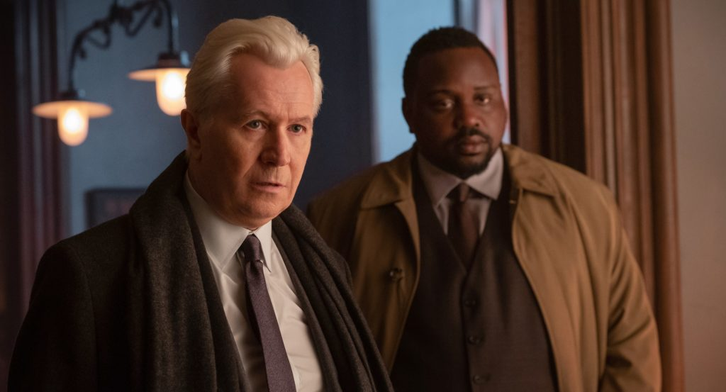 Gary Oldman und Brian Tyree Henry in The Woman in the Window